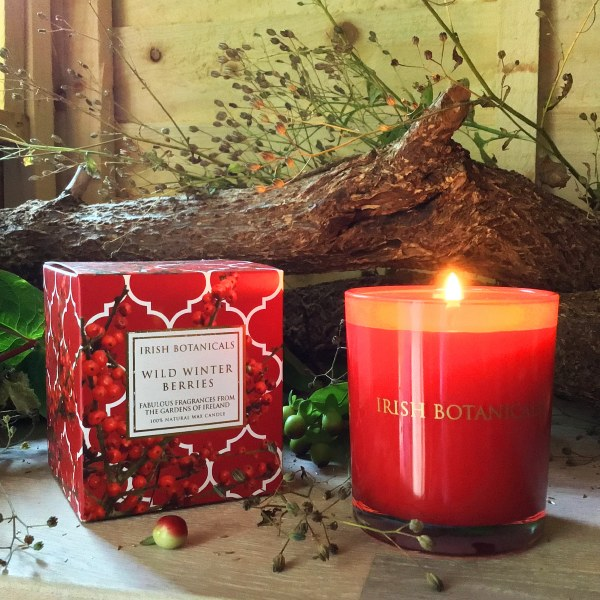 Winter Berry Christmas candle