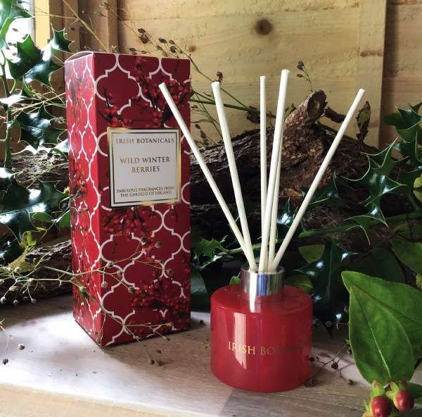 Winter Berry Christmas Diffuser