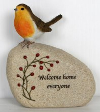 Welcome Home Christmas Robin (15cm)