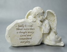 9551 Memorial Angel  22 x 13 cm