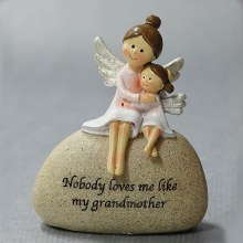 9566 Grandmother and Granddaughter Angel 8 x 9 cm
