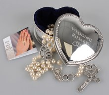 Pearl Wedding Rosary Beads in Silver Gift Box