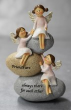 9576 Three Angel Friends on Stone  16cm