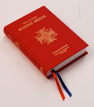 The CTS New Sunday Missal, Hardback, Red