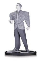 Batman Black & White Statue Joker By Frank Miller