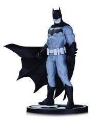 Batman Black & White Statue ByJason Fabok