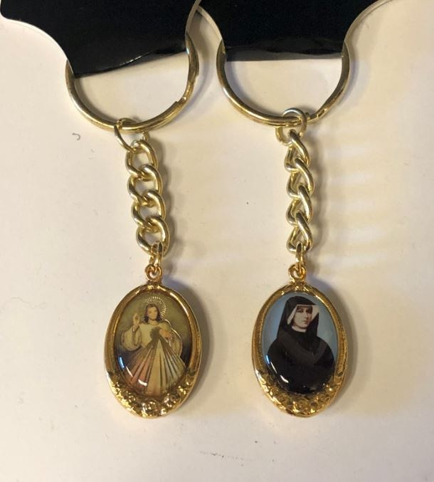 DOUBLE SIDED DIVINE MERCY/ST FAUSTINA GOLD TONE KEY CHAIN