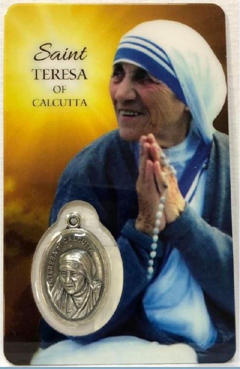 ST TERESA OF CALCUTTA PRAYER CARD WITH MEDAL