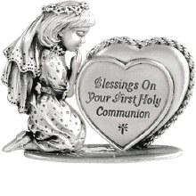 COMMUNION PRAYING GIRL WITH HEART