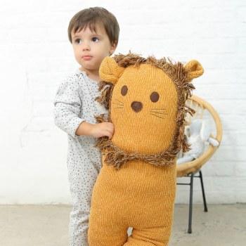 Albetta Supersized Lion Knit Toy