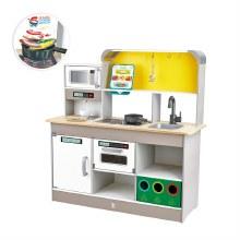Deluxe Kitchen with Fun Fan Fryer