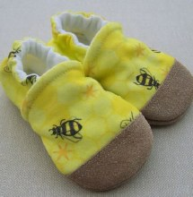 Snow and Arrow Organic Cotton Slippers - Buzz