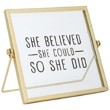 """""""She Believed"""" Table Décor"""