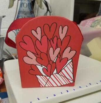 HEARTS BUCKET BOX