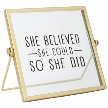 """She Believed"" Table Décor"
