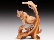 Wood-like Tiger Scene Sculptur