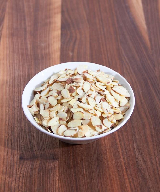 DeLaurenti Sliced Almonds, 8oz