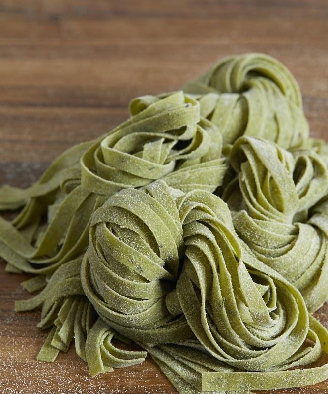 DeLaurenti Fresh Spinach Fettucine