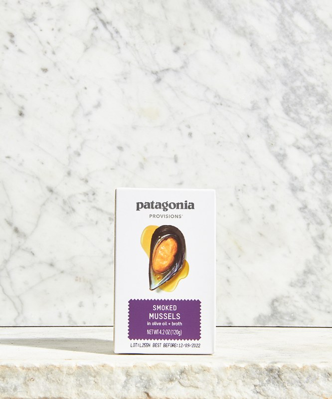 Patagonia Smoked Mussels in Olive Oil & Broth, 120g