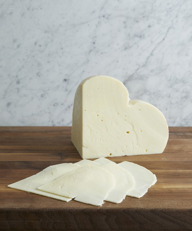 Provolone Piccante DOP, Sliced