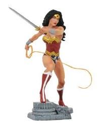 DC Gallery Wonder Woman with Lasso Comic Version PVC Statue