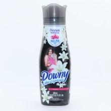 Downy Black Elegance