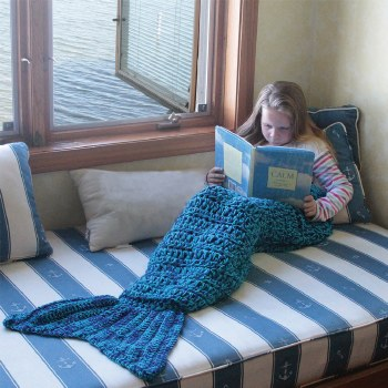 Knit Mermaid Tail Blanket