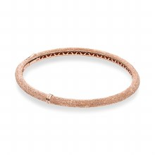 Bangle in diamond-pointed Pand