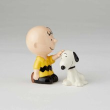 Charlie Brown Petting Snoopy S