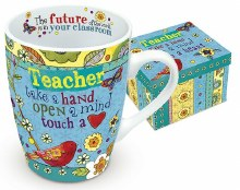 HEARTS & HUGS TEACHER MUG