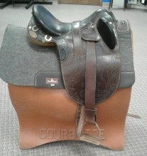 "Down Under Aussie Saddle 15.5"" Used"