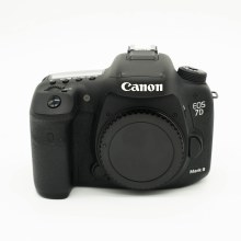 Canon EOS 7D Mark II Body (USED)