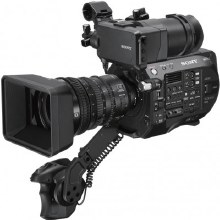 Sony PXW-FS7 With SEL 28-135mm F4G FE Power Zoom OSS