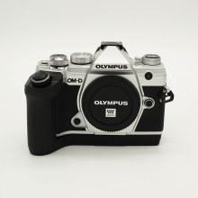 Olympus OM-D E-M5 Mark III Silver Body (USED)
