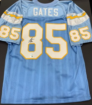 AUTOGRAPHED ANTONIO GATES CHARGERS JERSEY