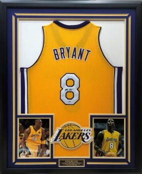 KOBE BRYANT AUTOGRAPHED HAND SIGNED LAKERS JERSEY