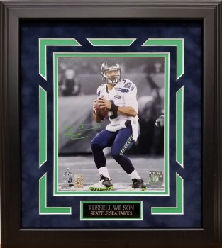 RUSSELL WILSON AUTOGRAPHED HAND SIGNED CUSTOM FRAMED SEATTLE SEAHAWKS 8X10 PHOTO