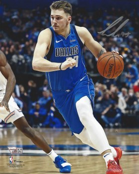 LUKA DONCIC SIGNED 8X10 PHOTO