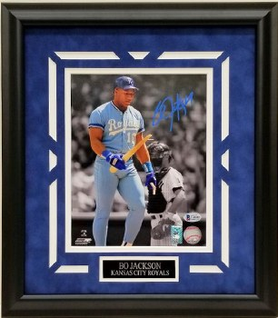BO JACKSON AUTOGRAPHED HAND SIGNED CUSTOM FRAMED KC ROYALS 8X10 PHOTO