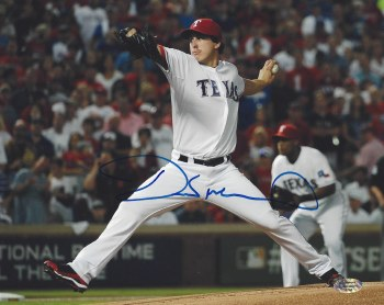DEREK HOLLAND AUTOGRAPHED HAND SIGNED RANGERS PHOTO