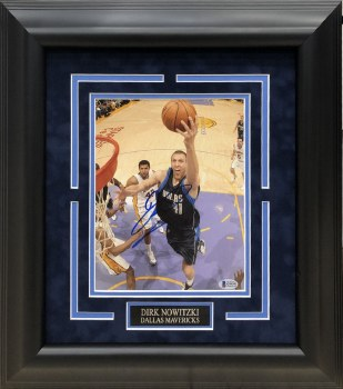 DIRK NOWITZKI AUTOGRAPHED HAND SIGNED AND CUSTOM FRAMED DALLAS MAVERICKS 8X10 PHOTO