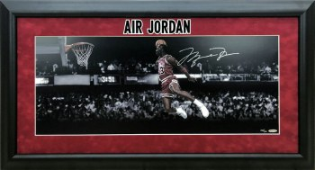 MICHAEL JORDAN AUTOGRAPHED HAND SIGNED AND CUSTOM FRAMED PANORAMA