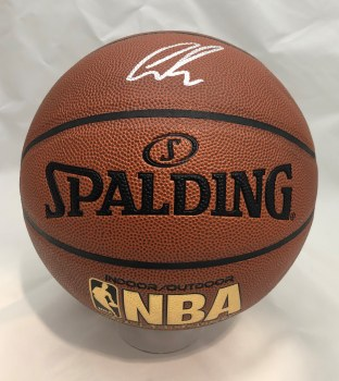LUKA DONCIC AUTORAPHED HAND SIGNED BASKETBALL