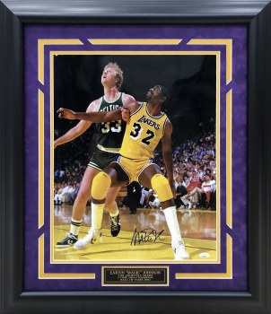 MAGIC JOHNSON AUTOGRAPHED HAND SIGNED CUSTOM FRAMED LA LAKERS 16X20 PHOTO