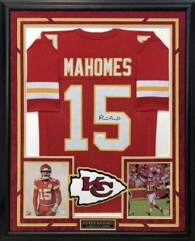 PATRICK MAHOMES AUTOGRAPHED HAND SIGNED AND CUSTOM FRAMED CHIEFS JERSEY