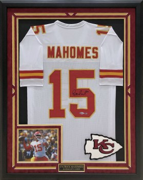 PATRICK MAHOMES AUTOGRAPHED HAND SIGNED CUSTOM FRAMED KC CHIEFS WHITE JERSEY