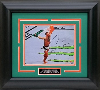 CONOR MCGREGOR AUTOGRAPHED HAND SIGNED AND CUSTOM FRAMED 8X10 PHOTO