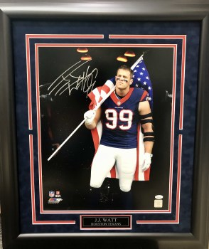 JJ WATT AUTOGRAPHED HAND SIGNED & CUSTOM FRAMED TEXANS 16X20 PHOTO