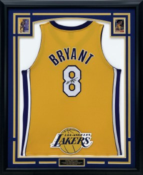 KOBE BRYANT AUTOGRAPHED HAND SIGNED YELLOW LA LAKERS JERSEY
