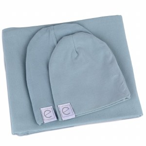 BLANKET AND BEANIES GIFT SET D
